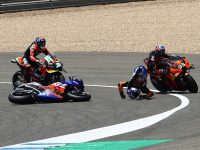 Andalusia MotoGP: Oliveira disagrees with Binder over Turn 1 clash