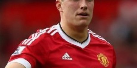 Manchester United set price for experienced centre-back